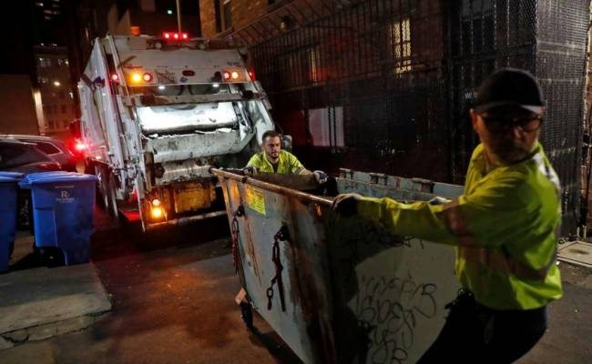 Toughest job in SF? Tenderloin garbagemen work late at night to clean filthiest streets